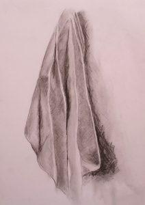 Bleistiftzeichnung von einem hängendem Tuch
